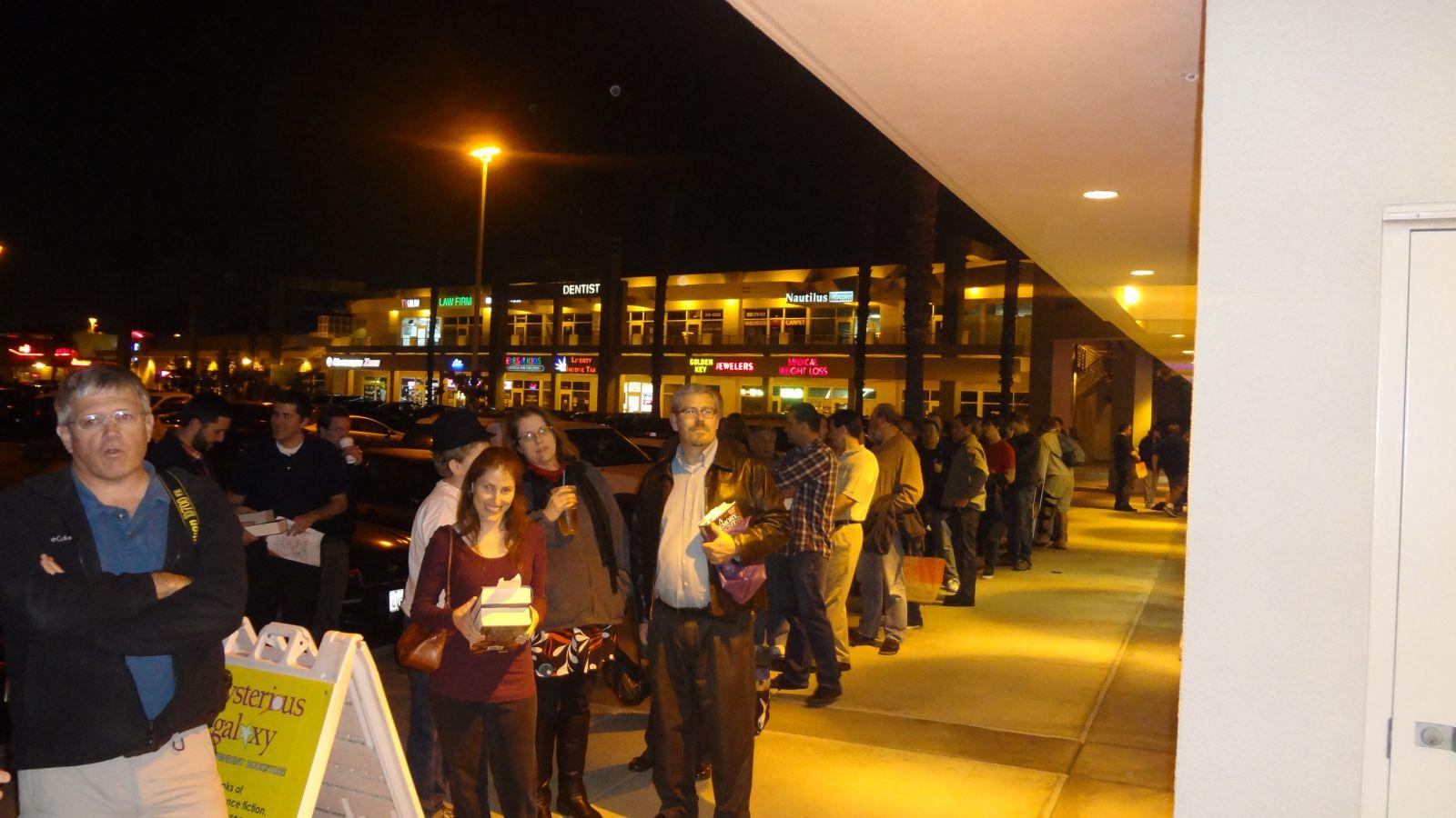 Fans In line1