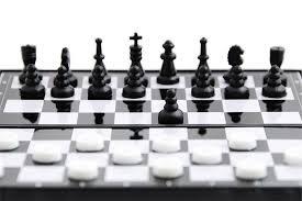 chess_checkers.jpg.186a565f04ab56f70460b7e56b490e03.jpg