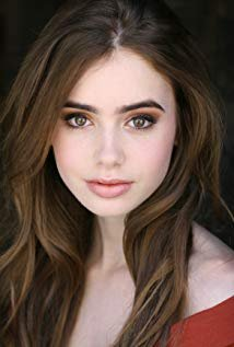 lilly collins.jpg